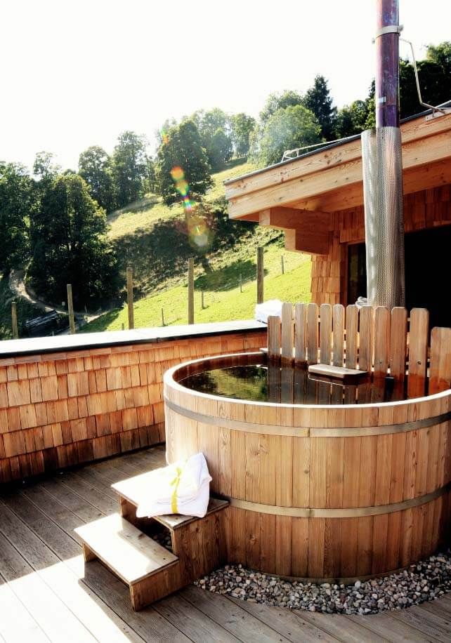bachgut your chalet with personal hot tub in austria. Black Bedroom Furniture Sets. Home Design Ideas